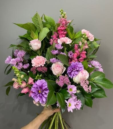 Ladies classic Pink Bouquet
