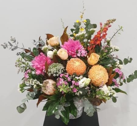 Bright flower pot Arrangement