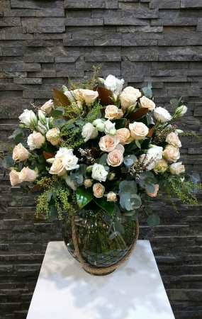 Sweet flower vase arrangement